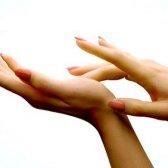Домашні засоби від лущення пальців