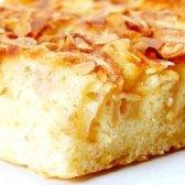 Яблучний пиріг з корицею в мультиварці