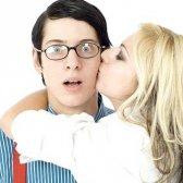 До чого сниться поцілунок зі знайомим чоловіком
