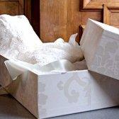 Як зберігати весільну сукню