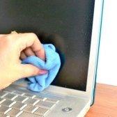 Як помити дисплей комп'ютера