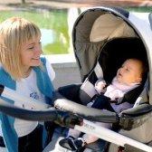 Як правильно гуляти з новонародженим