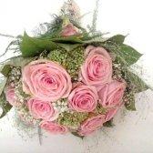 Як скласти букет з троянд