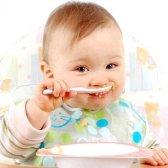 Коли почати годувати дитину звичайною їжею