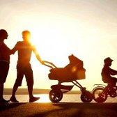 Чи потрібна коляска дворічній дитині