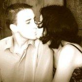 Чому люди цілуються