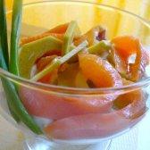Закуска з лосося і авокадо