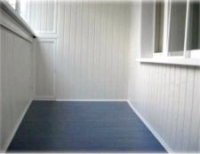 Чим краще обшити балкон всередині