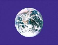 Де і як відзначають день землі