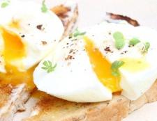 Яйця пашот: як приготувати швидко і легко