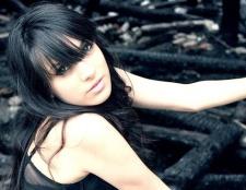 Ефектні зачіски для довгого чорного волосся