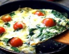 Як готується фріттата з сиром, грибами і овочами?