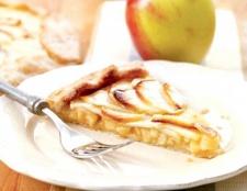 Як зі свіжих яблук зробити смачну начинку для пирога
