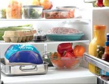 Як уникнути неприємного запаху в холодильнику