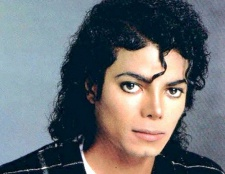Як Майкл Джексон змінив колір шкіри