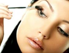 Як нанести щоденний макіяж