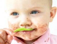Як навчити дітей харчуватися самостійно