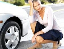 Як поміняти колесо в автомобілі