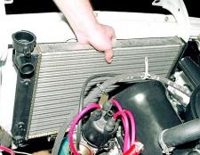 Як поміняти радіатор охолодження на ваз 2104