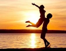 Як зрозуміти, закоханий чоловік чи любить