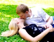 Як правильно цілуватися з мовою взасос