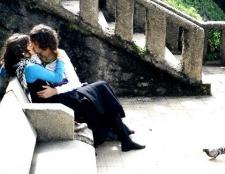 Як правильно цілуватися з хлопцем
