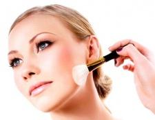 Як правильно наносити макіяж на зрілу шкіру