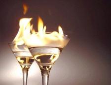 Як приготувати палаючі алкогольні коктейлі
