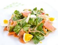 Як приготувати салат з лососем без солі