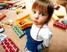 Як залучити дитину до прибирання іграшок