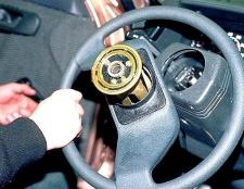 Як зняти рульову колонку