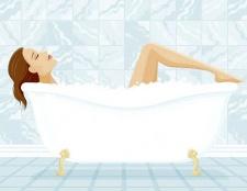Як впоратися з болем у спині, прийнявши ванну