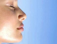 Як вибрати крем для жирної шкіри обличчя