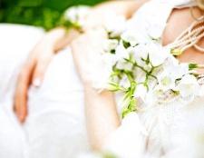 Як вибрати сукню для вагітної нареченої