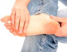 Як вилікувати суху мозоль на нозі