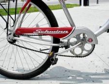 Як замінити заднє колесо на велосипеді