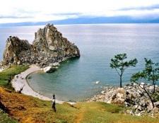 Яке найбільше прісноводне озеро в світі