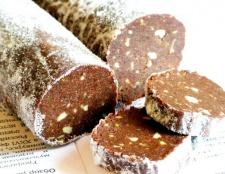 Ковбаса солодка з халвою і шоколадом
