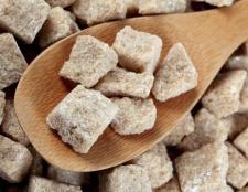 Коричневий цукор: чи є користь?