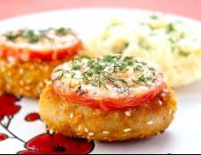 Котлети з індички з помідорами