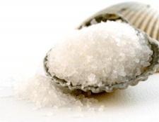 Маски для волосся від лупи з сіллю