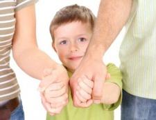 Відносини нерідних батьків до дітей