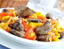 Печінка з овочами «пекуча шатенка»