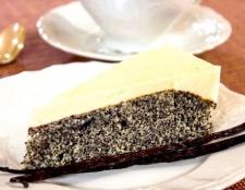 Пиріг з маком і сметанно-ванільним кремом