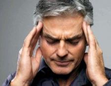 Чому болить область лоба