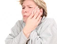 Чому сильний біль після видалення зуба?