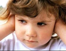 Чому у вухах дитини багато сірки