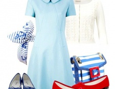 З чим носити блакитну сукню