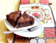 Шоколадний пиріг з вишнею та перцем