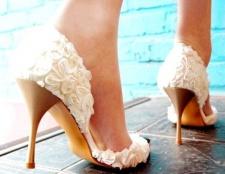 Поради нареченій: як вибрати туфлі на весілля